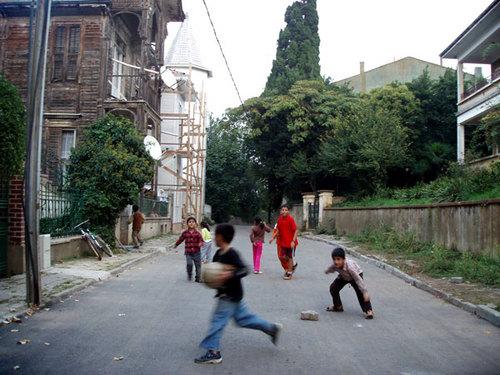27-3. Kids on the street
