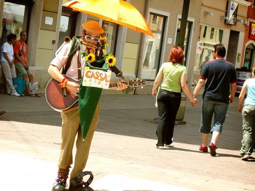 02 street musician