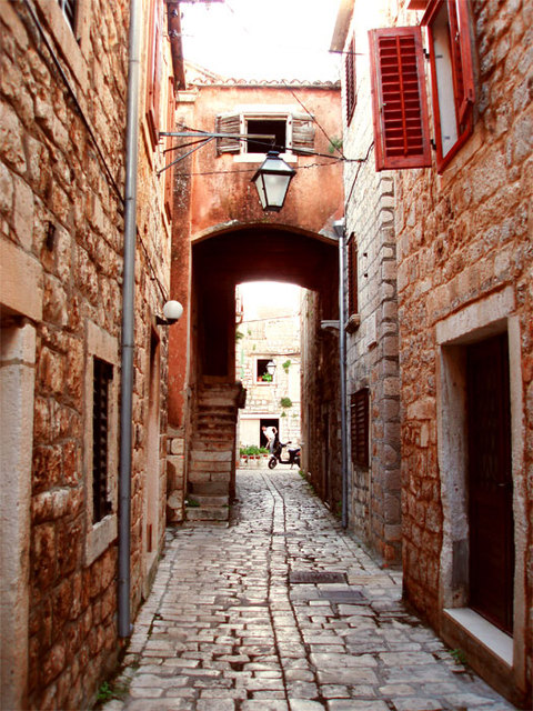 07. Lovely Town
